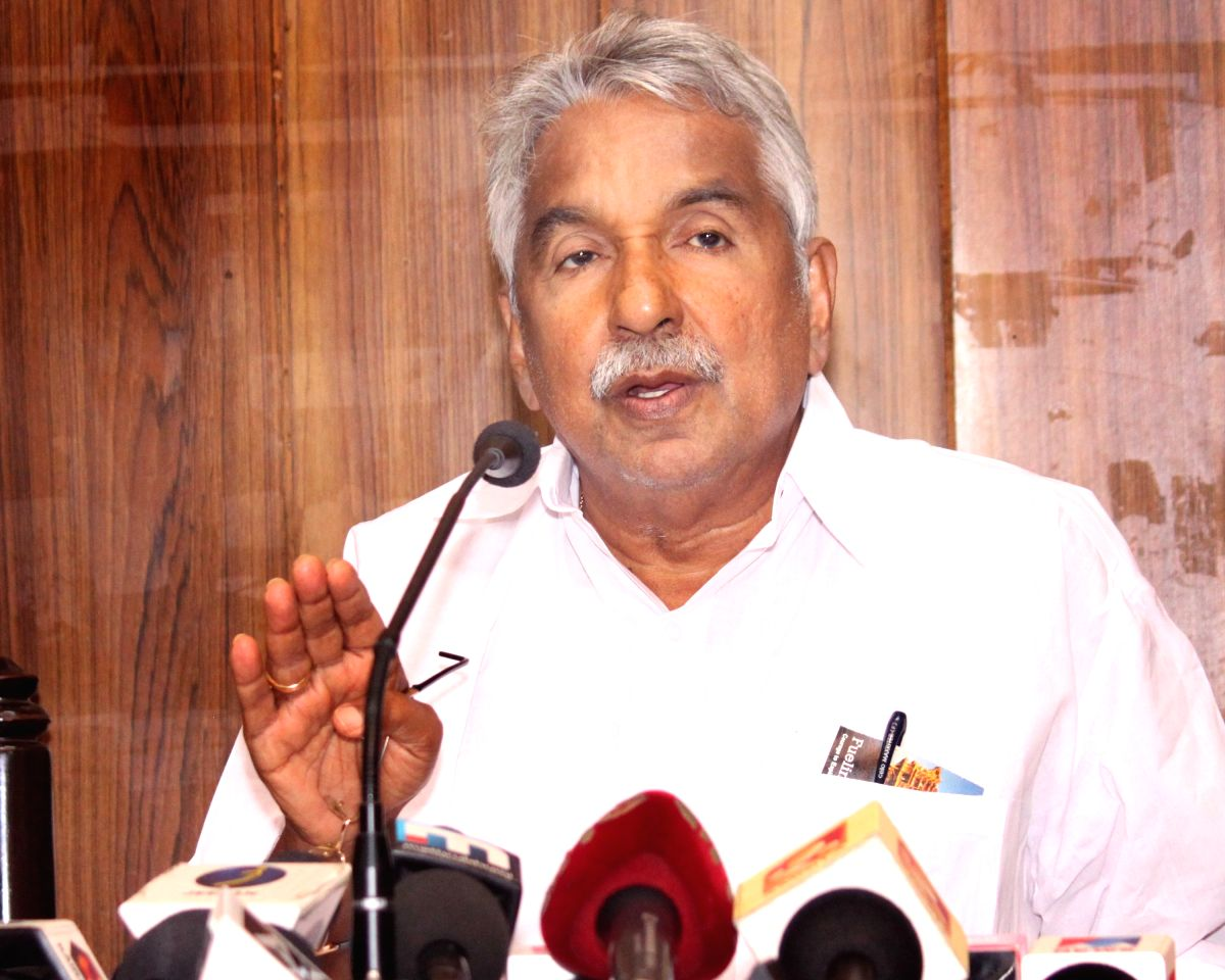 New Delhi: Kerala Chief Minister Oommen Chandy addresses a press conference in New Delhi on July 3, 2015. (Photo: Amlan Paliwal/IANS)