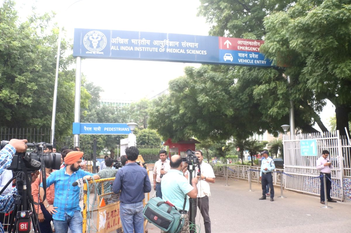 New Delhi: Media persons outside All India Institute of Medical Sciences (AIIMS) where Former Finance Minister and senior BJP leader Arun Jaitely passed away after prolonged illness, in New Delhi on Aug 24, 2019.