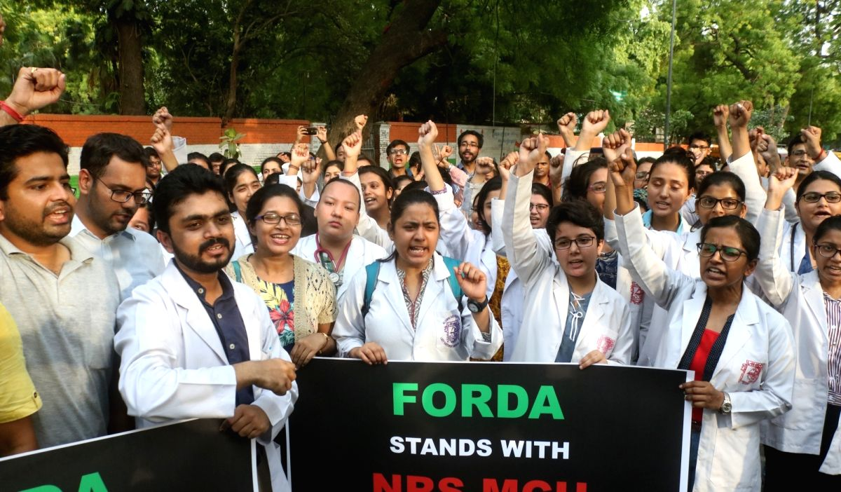 New Delhi: Medical students stage a demonstration against the recent attacks on doctors in Kolkata; in New Delhi on June 13, 2019.