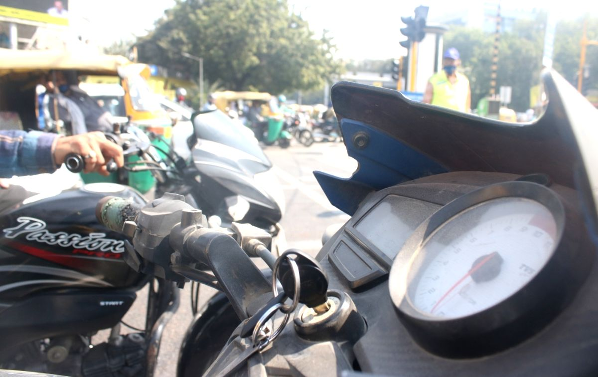 New Delhi, Oct 22 (IANS) State Pollution Control Boards, construction agencies, municipal bodies besides the Traffic police and Transport Department of Delhi and NCR has the authority to act against anybody polluting the air in the National Capital R