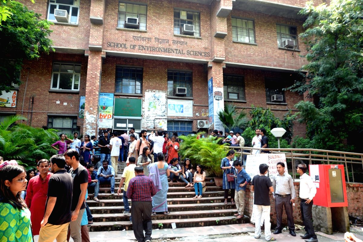 New Delhi: Polling for the Jawahar Lal University (JNU) student union election underway at the university campus in New Delhi on Sept 8, 2017. The results for the student union will be announced on September 11, 2017.