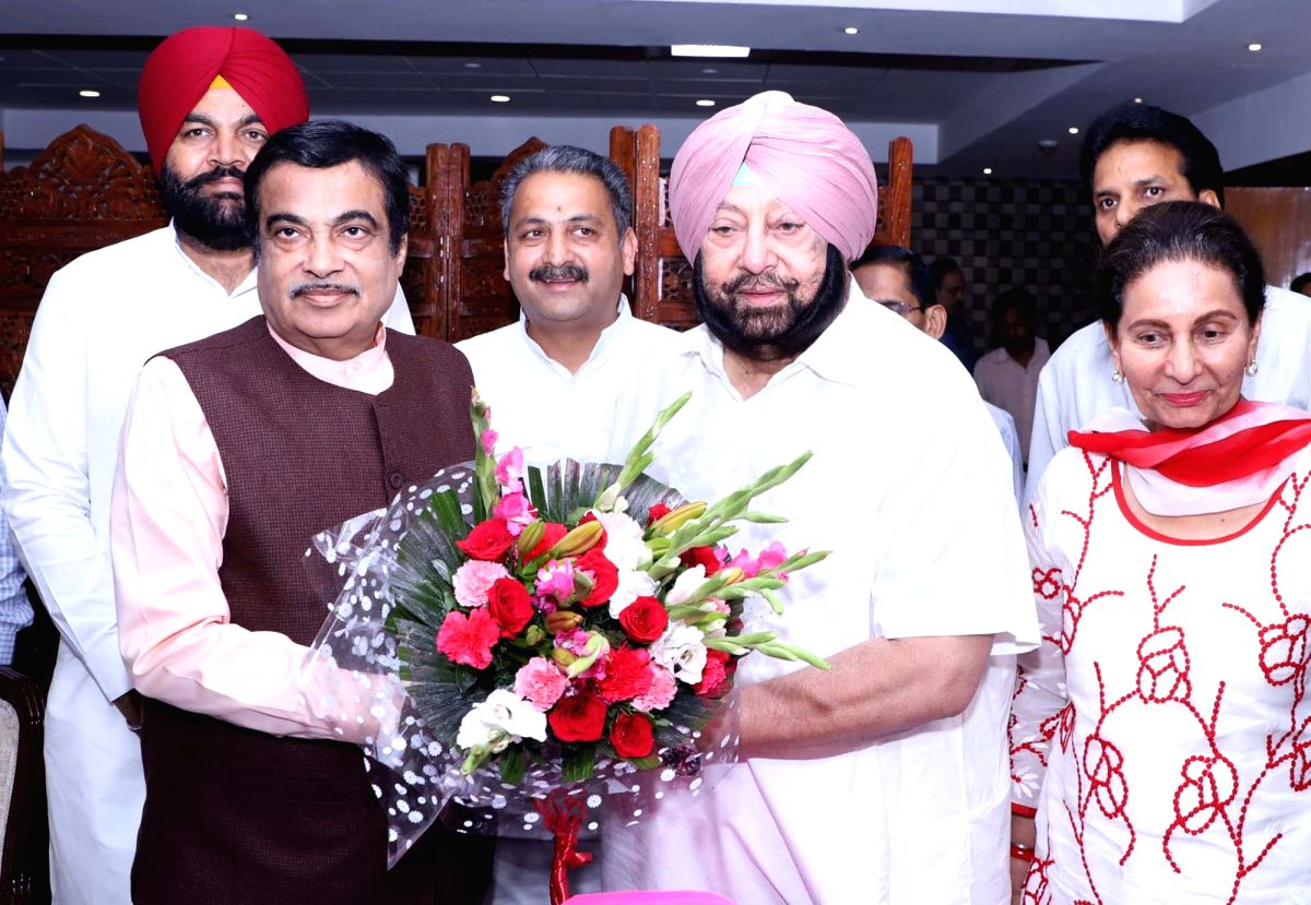 New Delhi: Punjab Chief Minister Captain Amarinder Singh meets Union Road Transport and Highways and Micro, Small and Medium Enterprises Minister Nitin Gadkari, in New Delhi on June 27, 2019. (Photo: IANS/PIB)