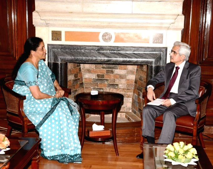 New Delhi: RBI Governor Shaktikanta Das meets Union Finance and Corporate Affairs Minister Nirmala Sitharaman, in New Delhi on June 19, 2019. (Photo: IANS/PIB)