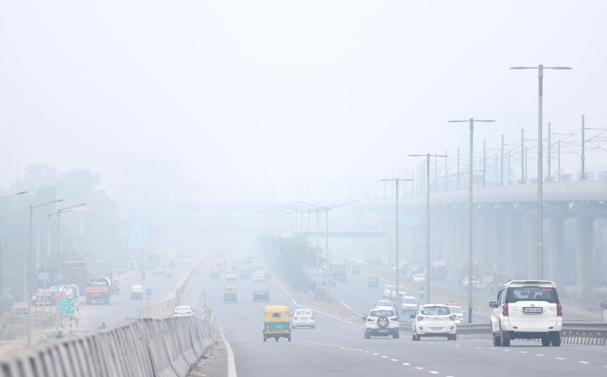 New Delhi: Smog engulfs the national capital as air quality worsens, on Nov 15, 2019. Delhi has earned the dubious distinction of becoming the most polluted major city in the world with an air quality index (AQI) of 527 on Friday, as per data by Air