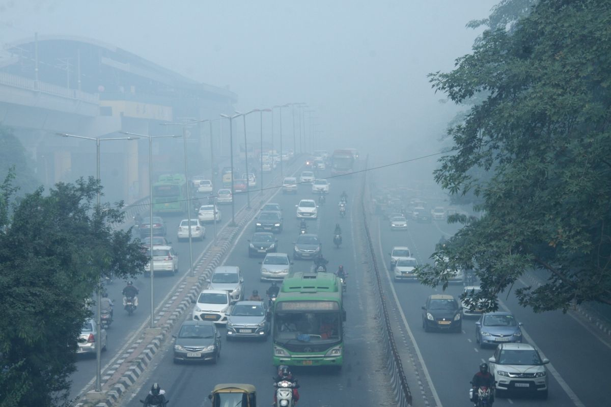 New Delhi: Smog engulfs the national capital as the air quality worsens, on Nov 15, 2019. The air pollution emergency in Delhi has aggravated with the air quality index (AQI) spiking sharply to 528 on Friday morning.The AQI on Thursday was much lower