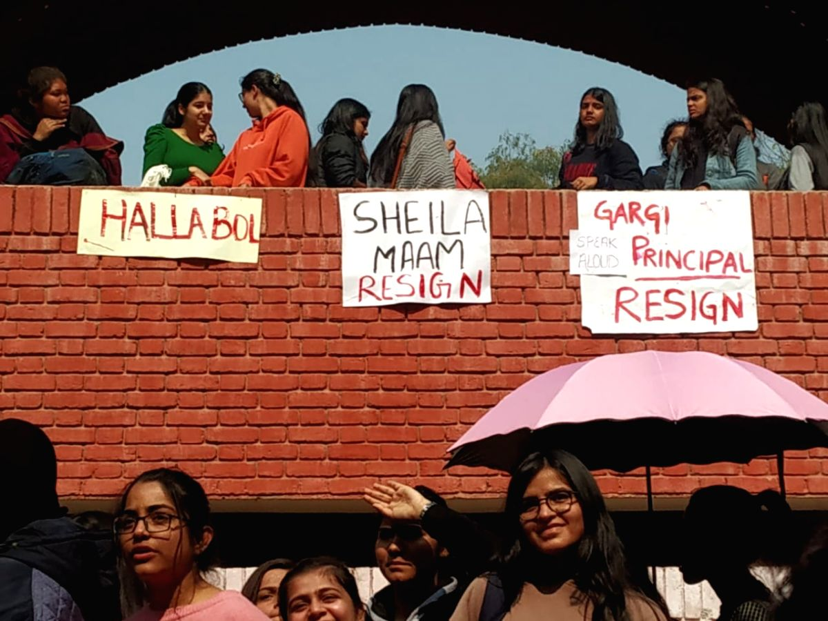 """New Delhi: Students of Gargi College alleging that some """"drunken men"""" -- said to be pro-CAA demonstrators -- misbehaved with them inside the campus on February 6, stage a protest inside the college campus, in New Delhi on Feb 10, 2020."""