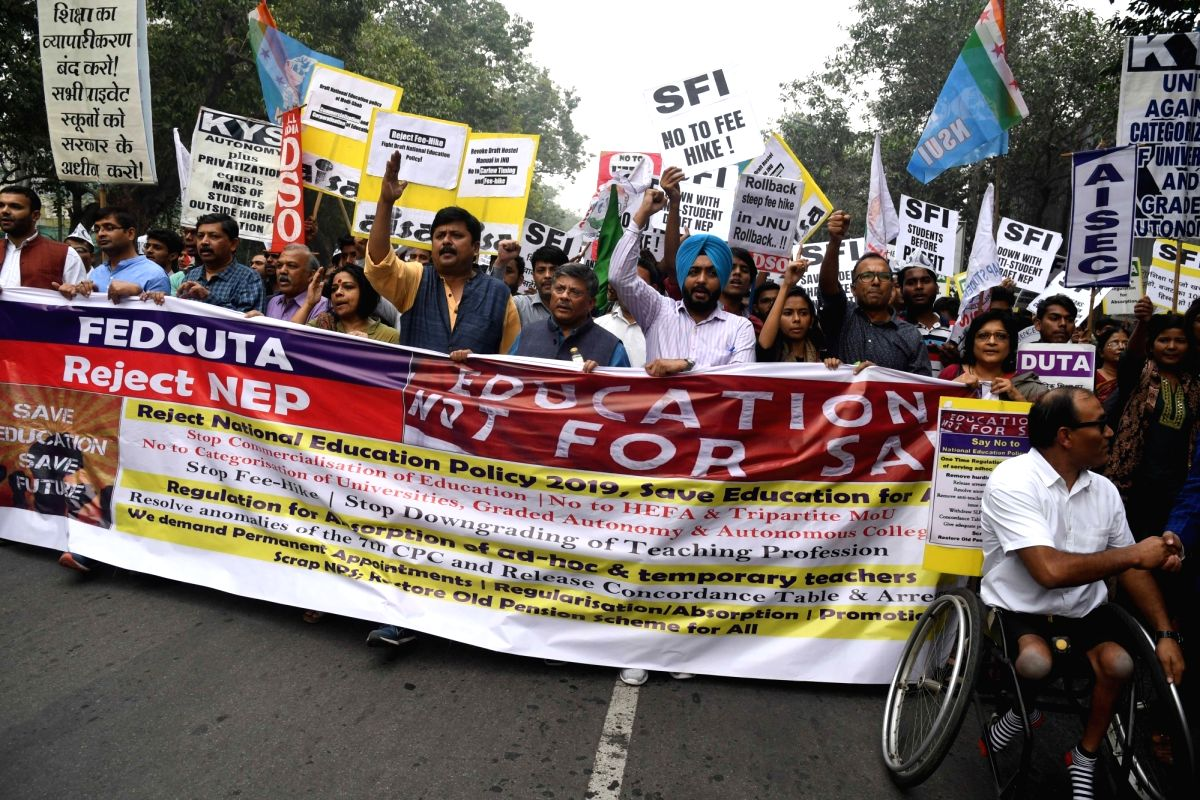 New Delhi: Students of Jawaharlal Nehru University (JNU) stage a demonstration against the alleged partial rollback in hostel fee hike, in New Delhi on Nov 14, 2019.