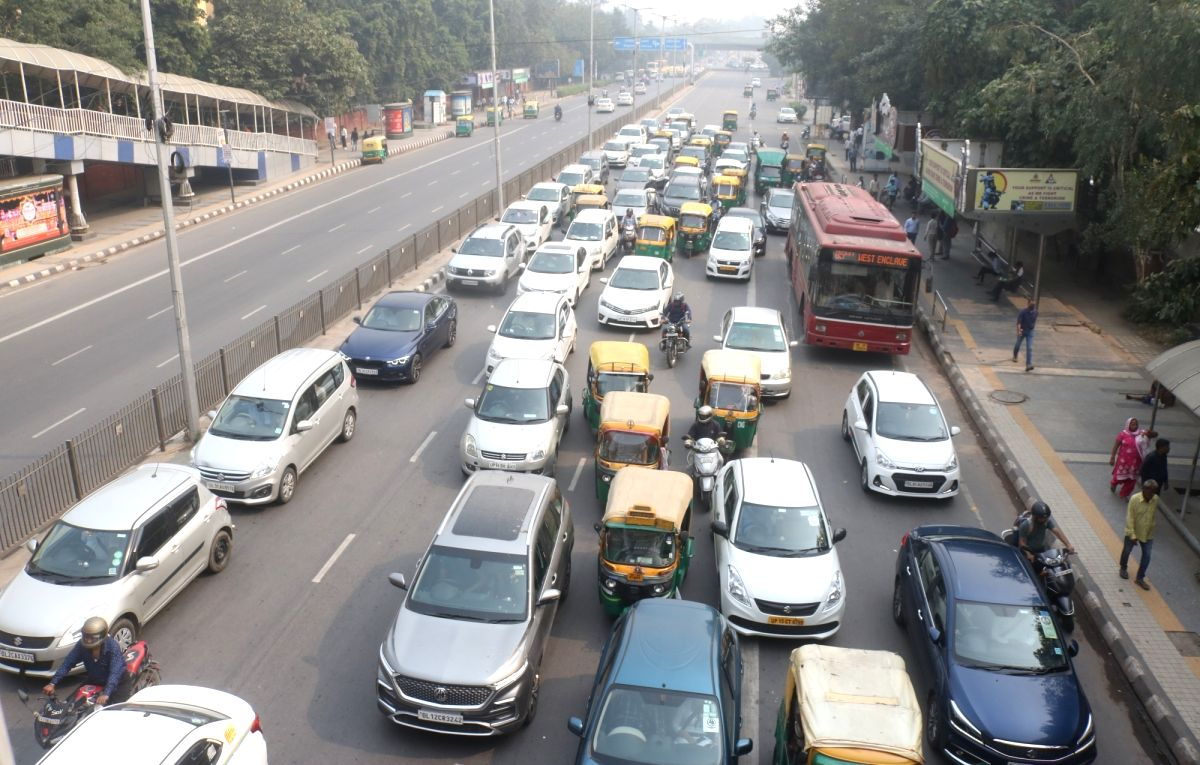 New Delhi: Traffic on a busy Delhi road on Nov 4, 2019. As Delhi battles to breathe, the third Odd-Even car rationing scheme aimed to provide relief from pollution kicked-off on Monday. The scheme will remain in force till November 15 and the rules f