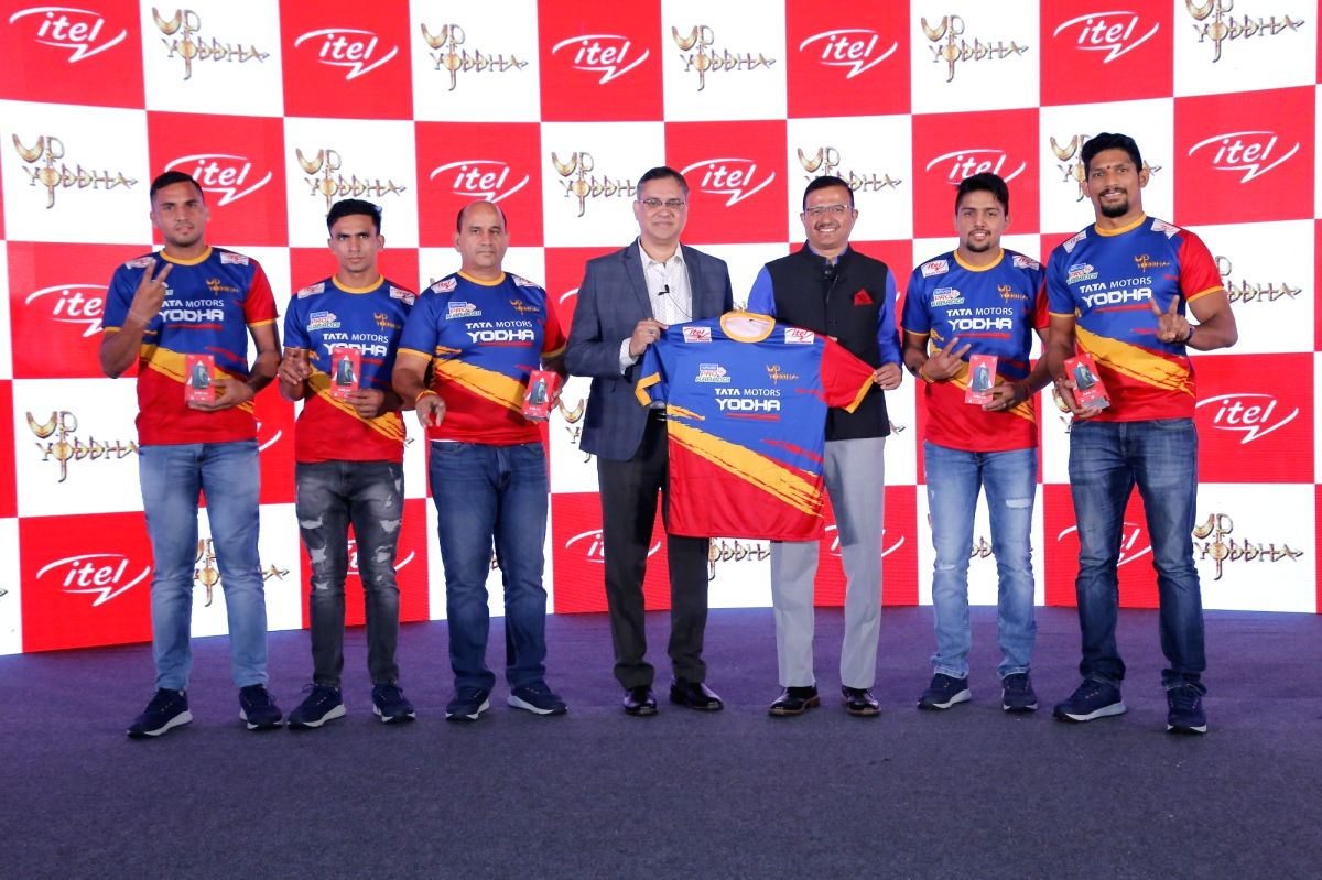 New Delhi: TRANSSION India CEO Arijeet Talapatra, GMR League Games Vice President Vinod Bisht and UP Yoddha's newly announced captain Nitesh Kumar unveil the team's new jersey for Pro Kabaddi League Season 7 at a launch ceremony where itel announced