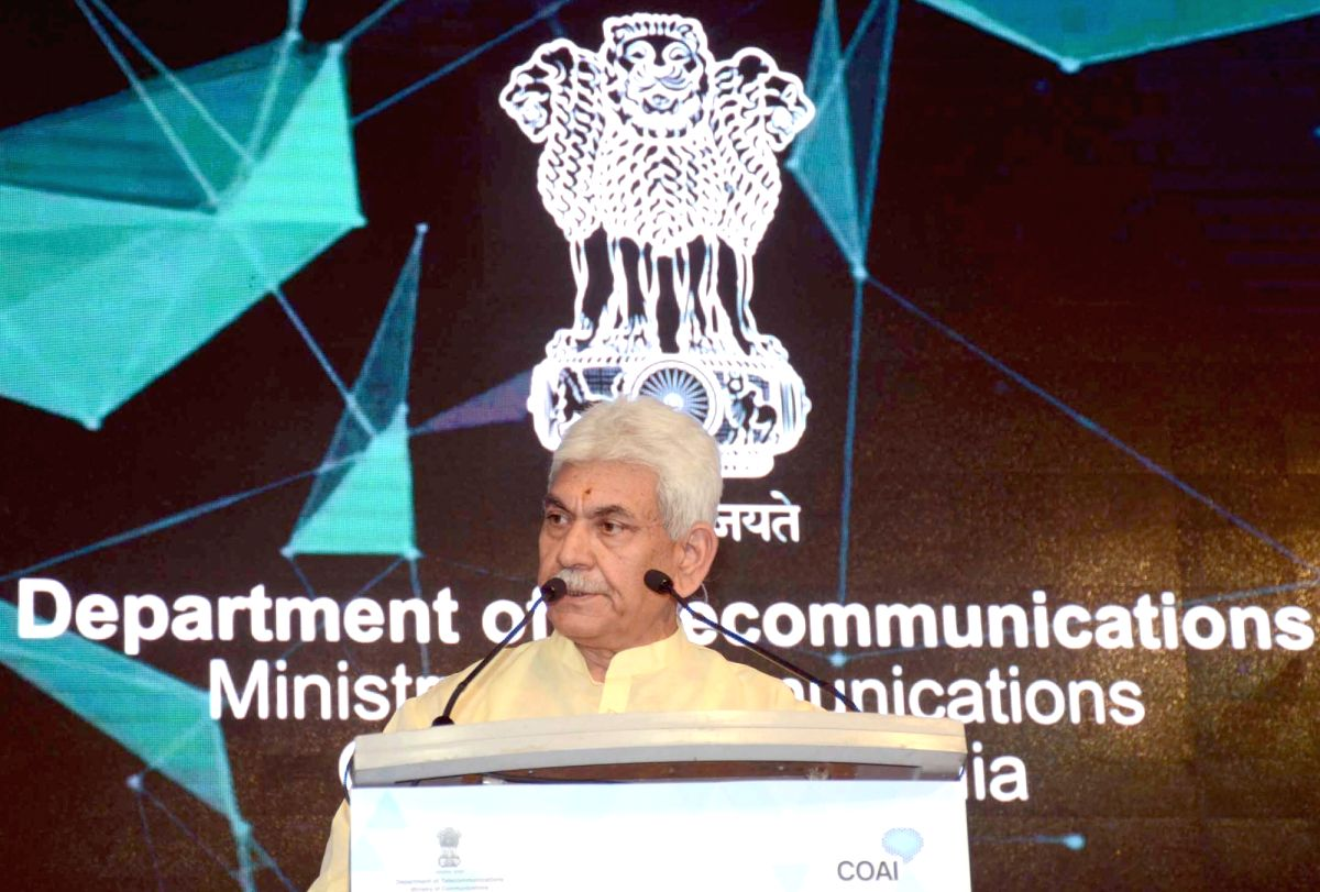 :New Delhi: Union MoS for Communications (I/C) and Railways Manoj Sinha addresses at the India Mobile Congress - 2018, in New Delhi on Oct 25, 2018. (Photo: IANS/PIB).