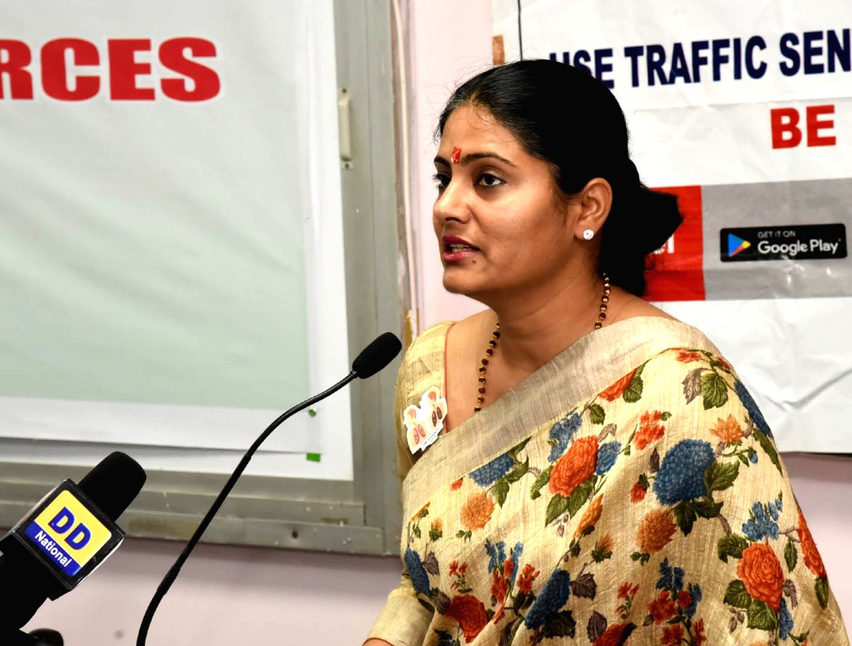 New Delhi: Union MoS Health and Family Welfare Anupriya Patel addresses at the symposium cum exhibition on 'Dialogue with Organs for Allied Health Force – A step to enhance cognitive skills', at Vardhman Mahavir Medical College and Safdarj