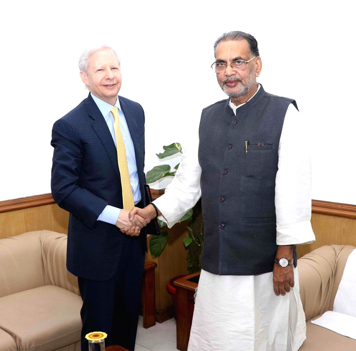 :New Delhi: US Ambassador to India Kenneth I. Juster meets Union Agriculture and Farmers Welfare Minister Radha Mohan Singh in New Delhi, on Oct 17, 2018. (Photo: IANS/PIB).