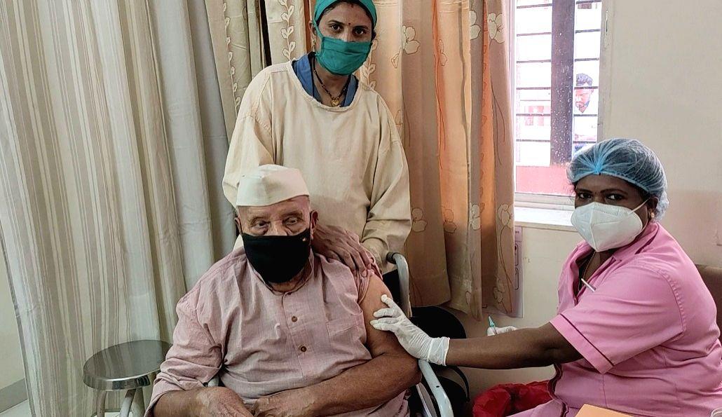 Nonagenarian among 7L senior citizens vaccinated in Raj.