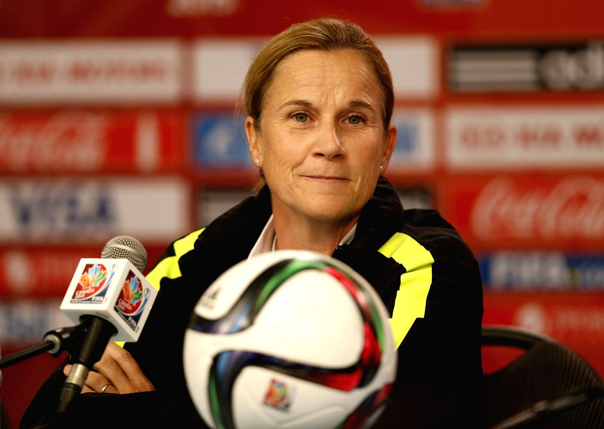 OTTAWA, June 26, 2015 (Xinhua) -- Jill Ellis, head coach of the United States, attends the press conference in Ottawa, Canada, June 25, 2015. The United States will play China in the quarterfinal match of 2015 FIFA Women's world cup here on June 26.