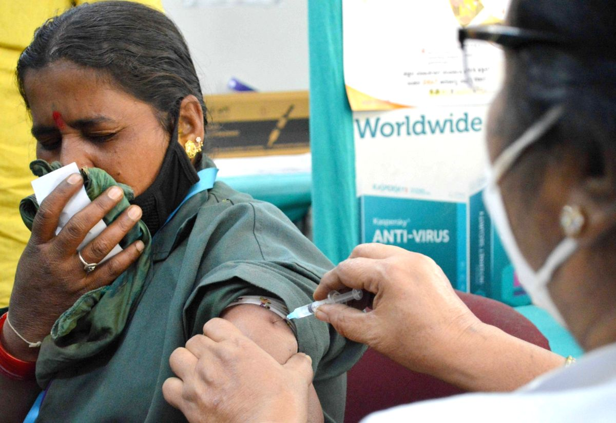 Over 2.5 lakh beneficiaries get Covid vaccines, tally crosses 77