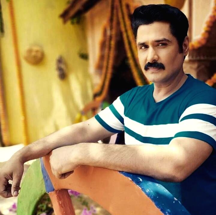 Pankit Thakker says despite separation, wife Prachi and he try to handle things like a family.
