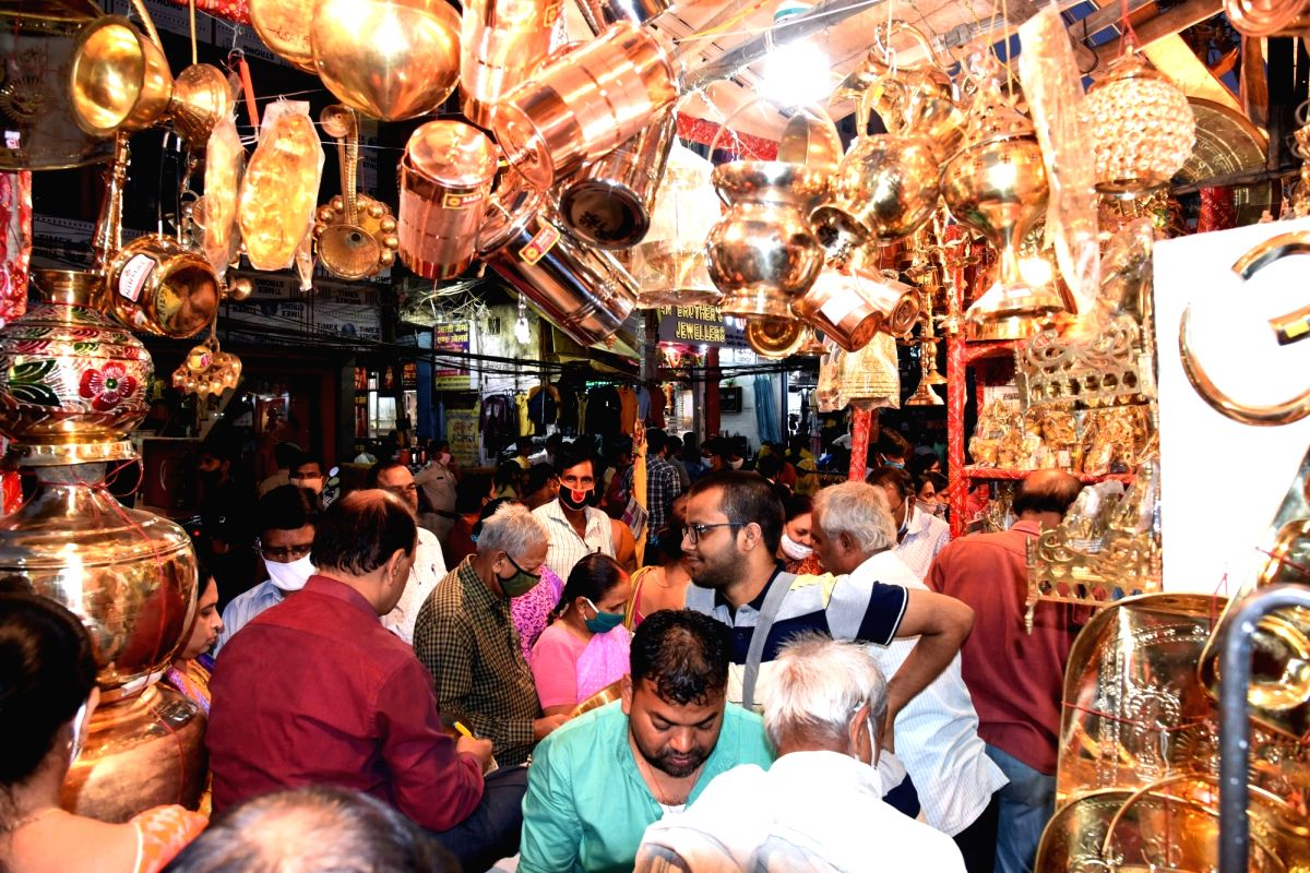Lucknow overlooks pandemic woes to splurge on Dhanteras
