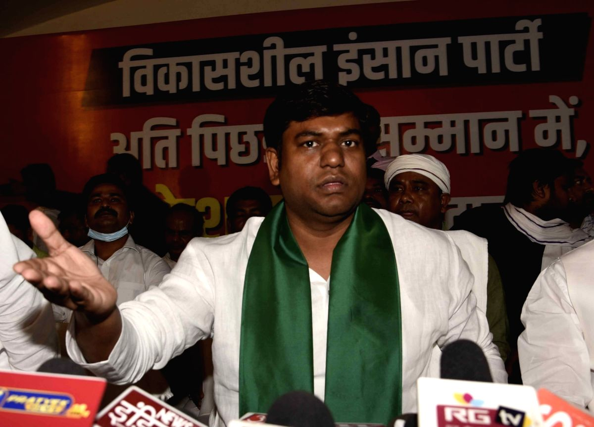Patna: Vikassheel Insaan Party (VIP) President Mukesh Sahani holds a press conference, in Patna on Oct 4, 2020. A day after walking out of the Grand Alliance in a huff over seat-sharing issue, VIP on Sunday said it would contest all 243 Bihar Assembl