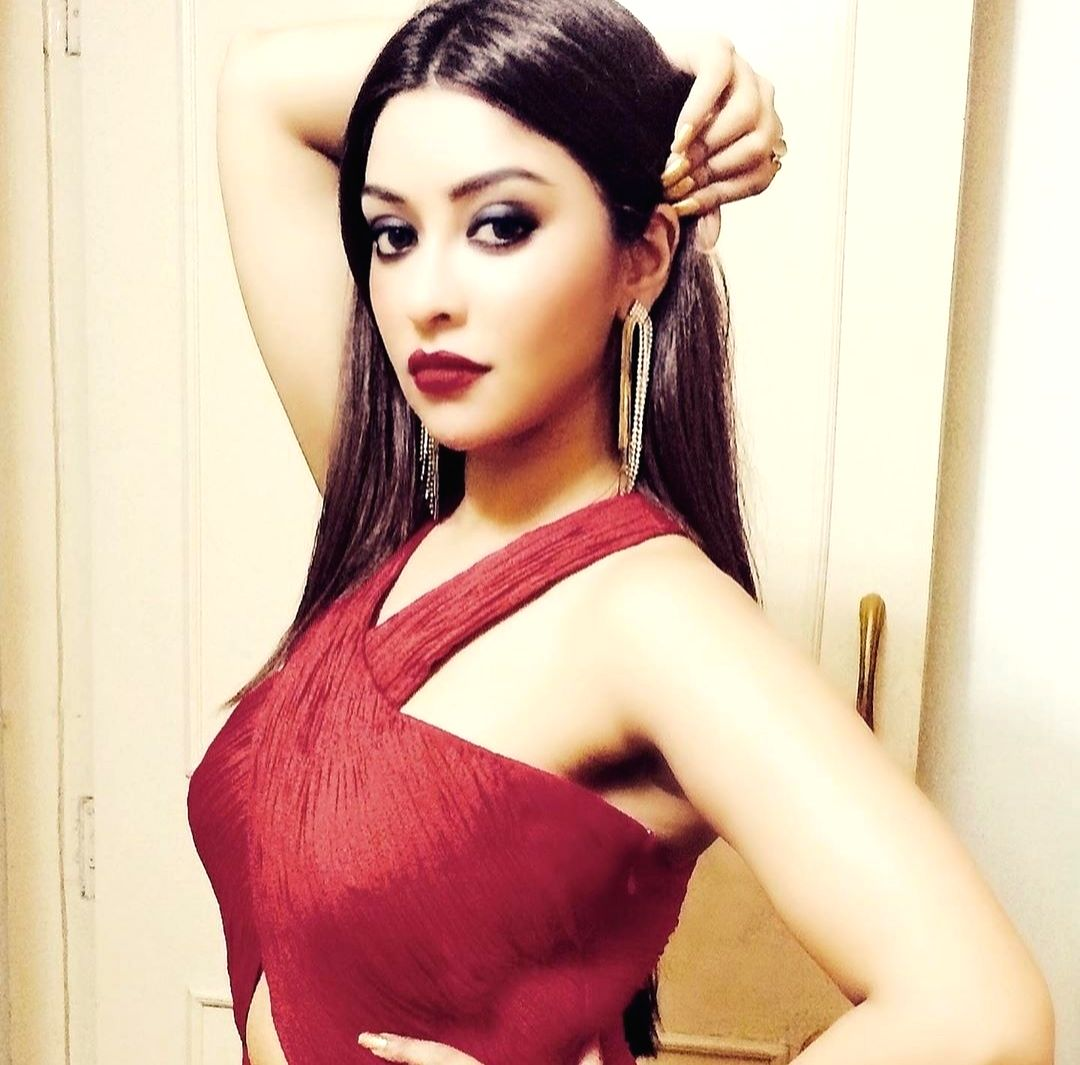 Payal Ghosh files FIR against Anurag Kashyap for rape, wrongful restrain, other charges.