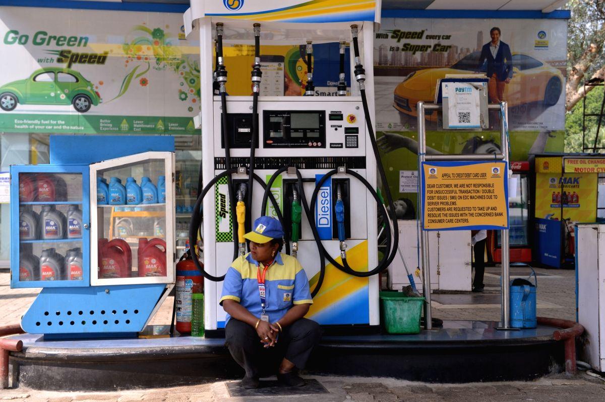 Petrol, diesel prices stabilise, crude oil rates surge