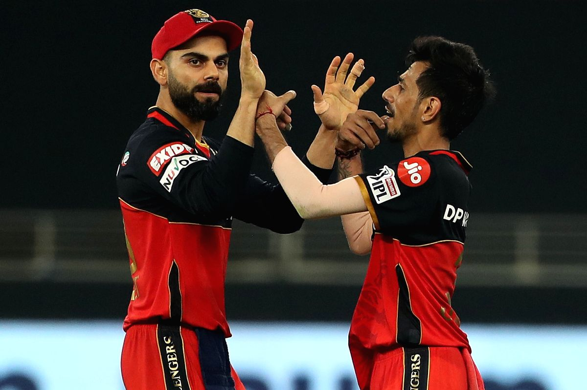 Players of Royal Challengers Bangalore celebrates the wickets of players of Sunrisers Hyderabad during match 3 of season 13 of the Dream 11 Indian Premier League (IPL) between Sunrisers Hyderabad and Royal Challengers Bangalore held at the Dubai Inte