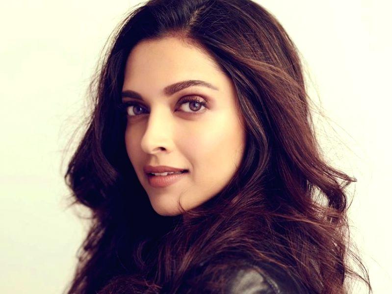 Deepika Padukone rings in 13 years in Bollywood, changes ...