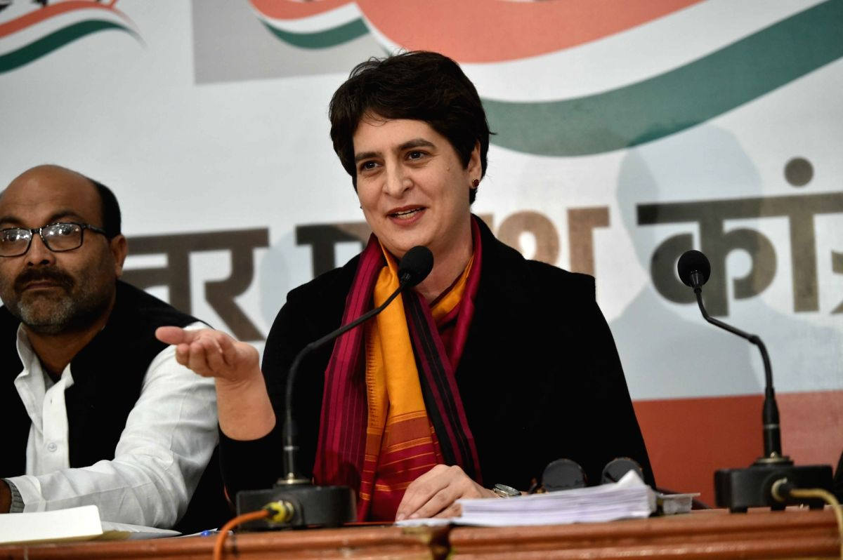 Priyanka Gandhi demands CBI enquiry into UP scribe's death