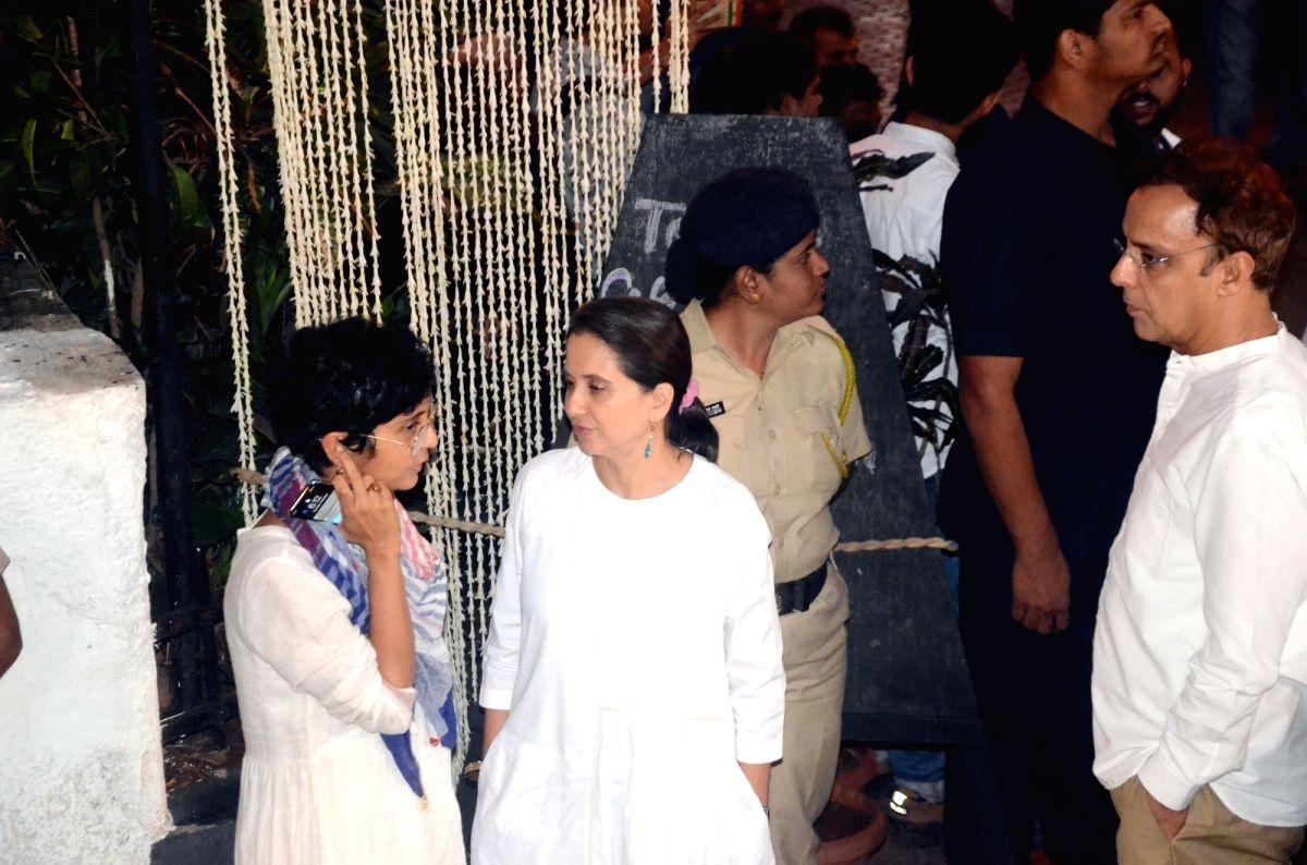 Shashi Kapoor's condolence meet - Shashi Kapoor and Kiran Rao