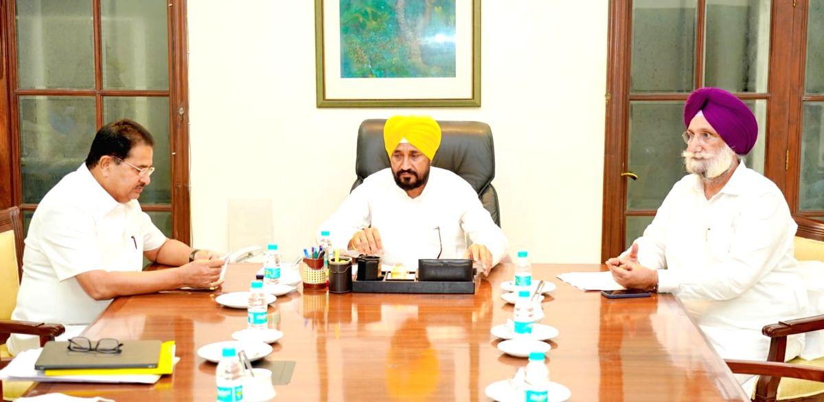Repeal farm laws: Punjab CM appeals to Centre
