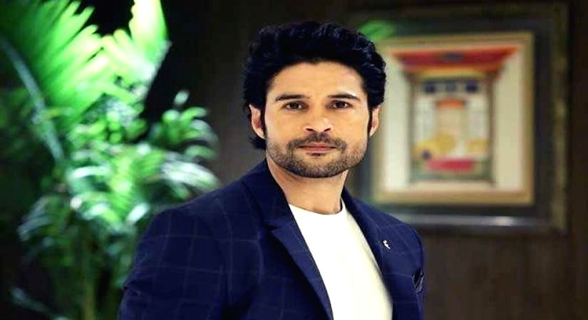 Rajeev Khandelwal on taking up live theatre as a challenge.(photo:ianslife)