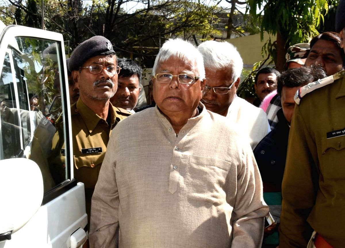 Ranchi: Fodder scam case convict and RJD chief Lalu Prasad Yadav arrives at a special CBI court in Ranchi on Jan 16, 2018.