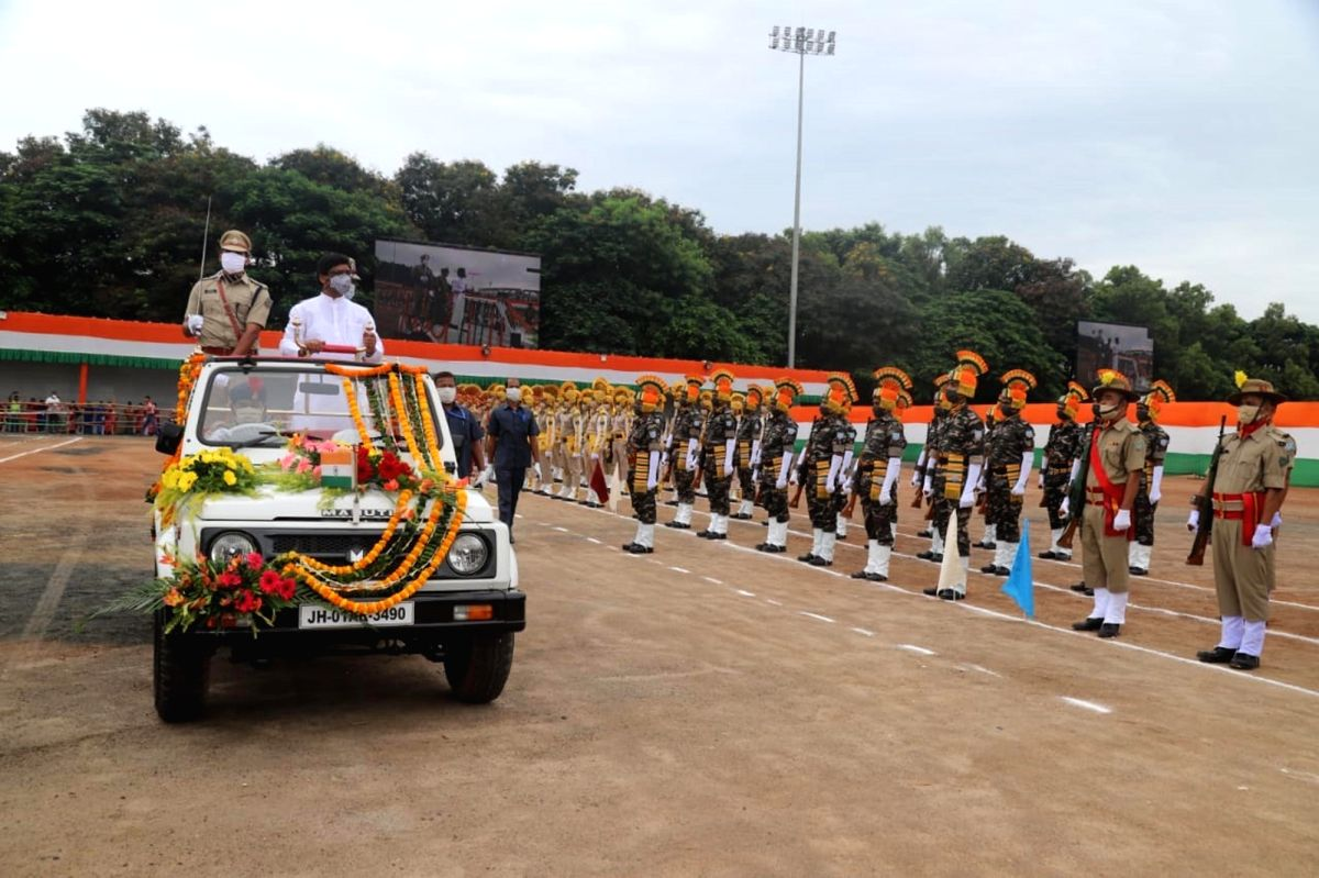 Ranchi: Jharkhand Chief Minister Hemant Soren inspects the 74th Independence Day parade in Ranchi on Aug 15, 2020.