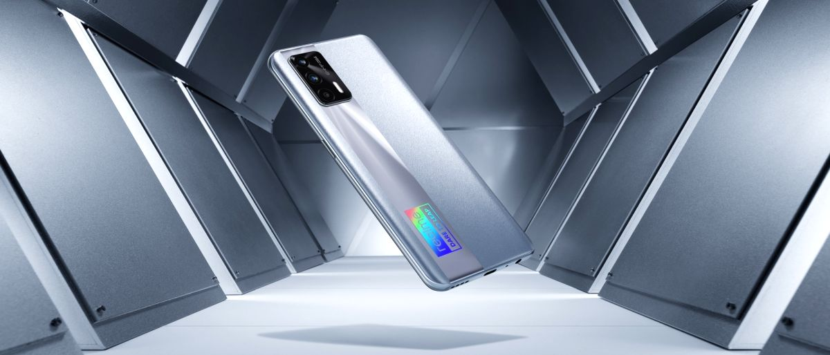 realme 1st Android brand to launch magnetic wireless charging: Report