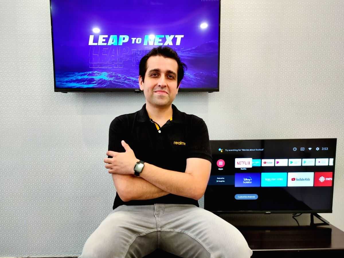Realme sells over 15K Smart TVs in 10 mins, launching 55-inch TV soon.