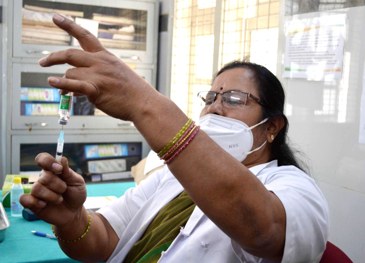 Recoveries continue to outnumber fresh Covid cases in Andhra. (Photo: Dhananjay Yadav/IANS)