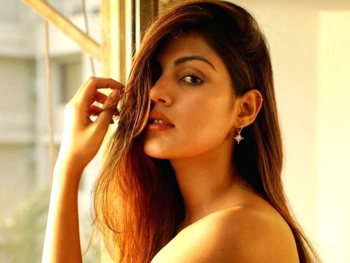 Rhea Chakraborty alleges getting rape and murder threat.