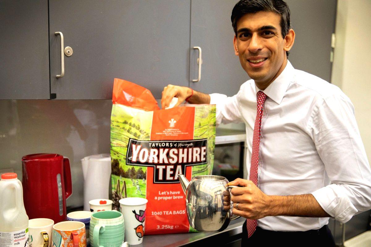 Rishi Sunak posts picture of Tea break, Twitterati abuzz.