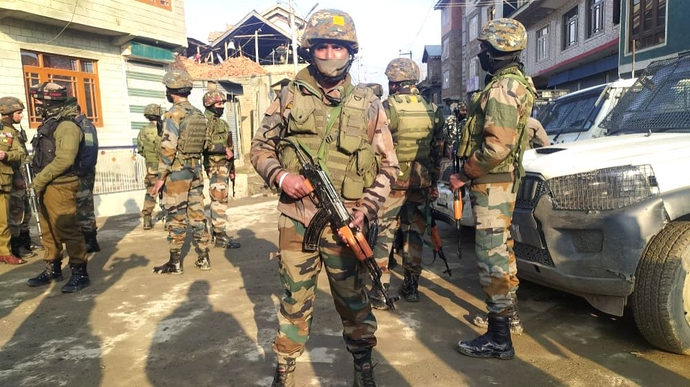 SAl-Badr module busted in Kashmir, 4 associates of ultras held