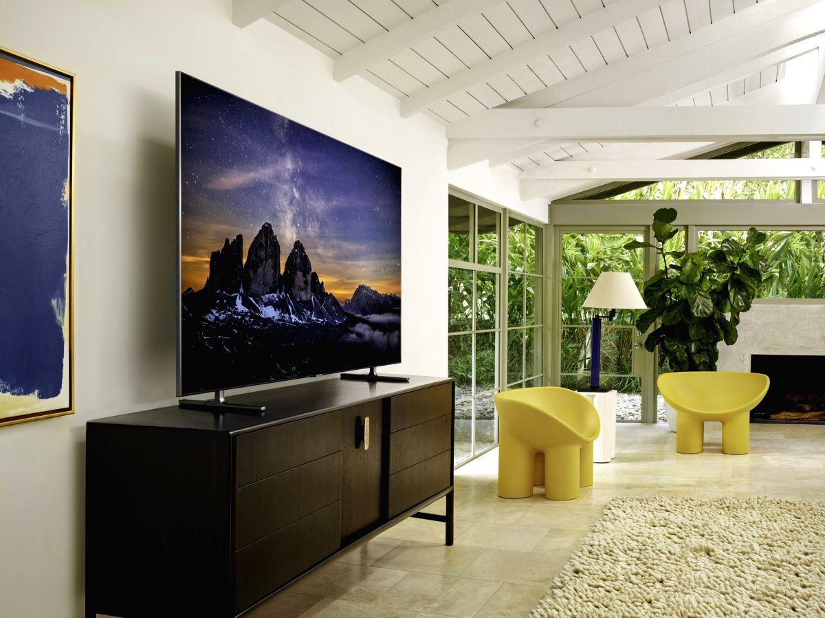 Samsung QLED 8K TV.