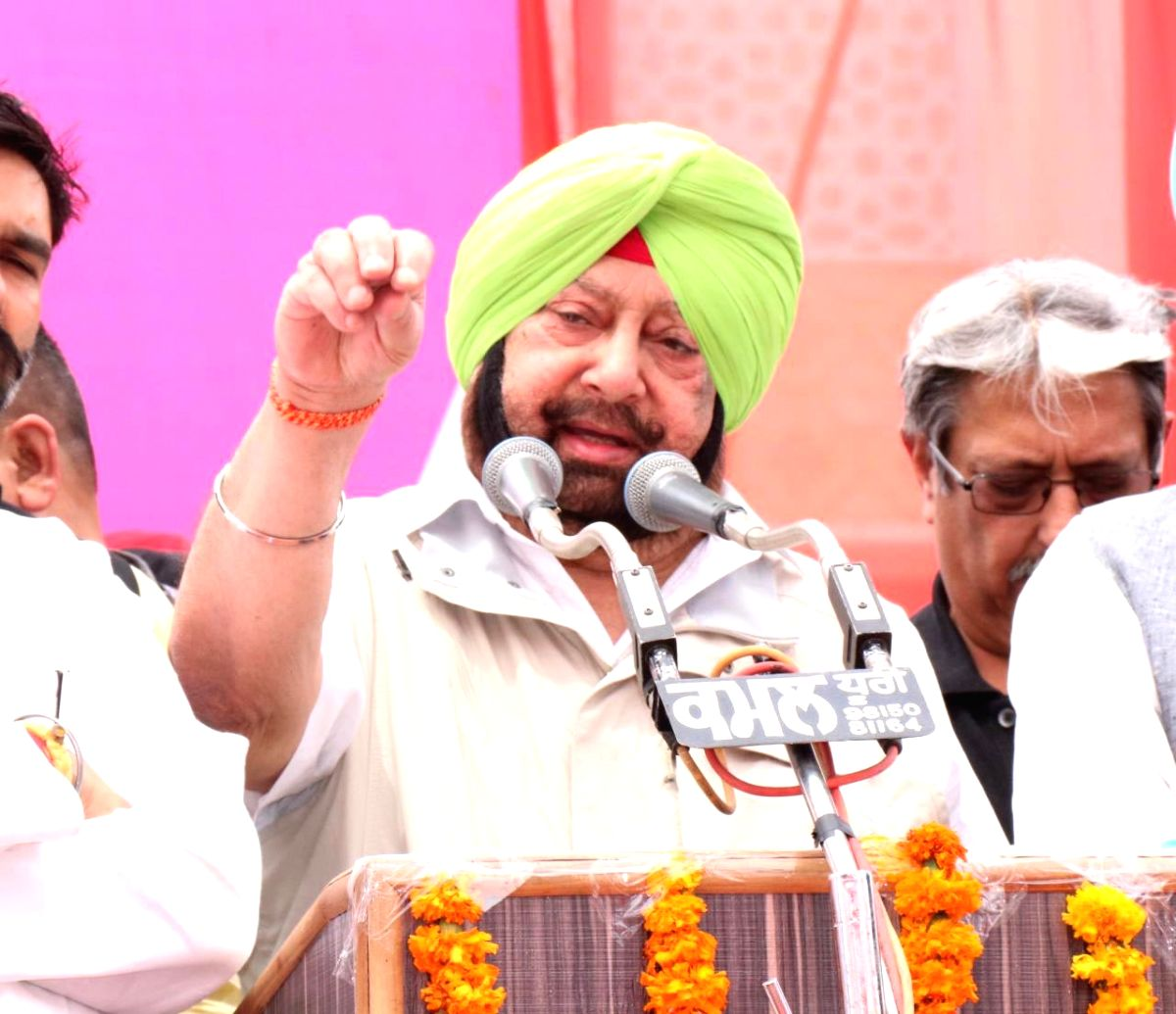 Sangrur: Punjab Chief Minister Captain Amarinder Singh addresses a public rally ahead of the 2019 Lok Sabha polls, in Punjab's Sangrur, on April 24, 2019.