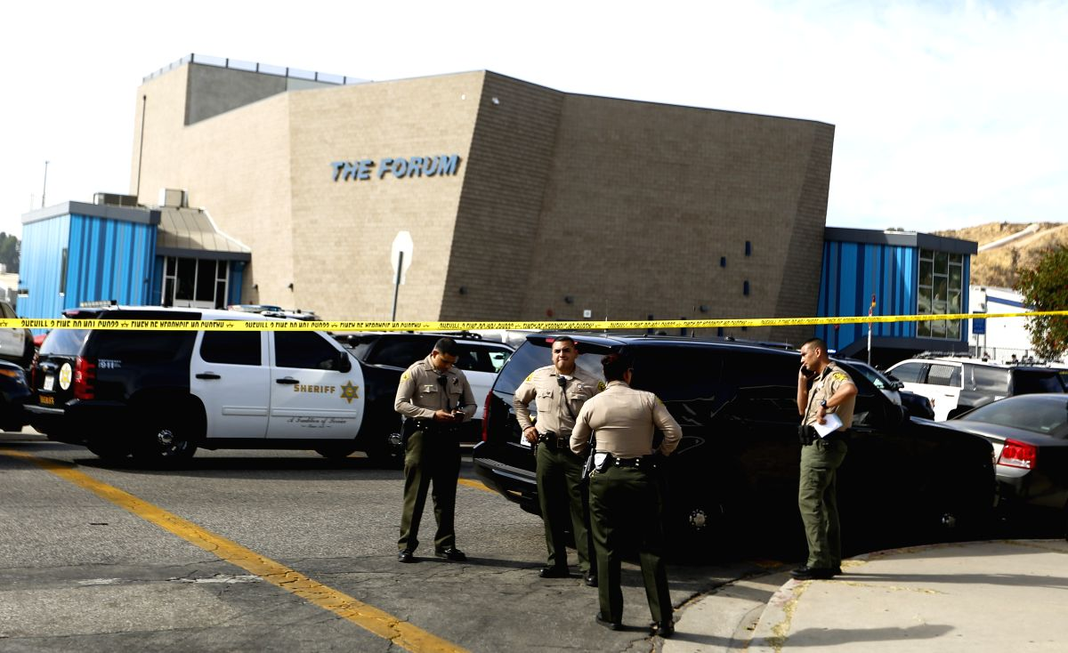 SANTA CLARITA (U.S.), Nov. 14, 2019 (Xinhua) -- Sheriffs work at Saugus High School where a shooting took place in Santa Clarita, Southern California, the United States, on Nov. 14, 2019. At least two students were killed and three injured following