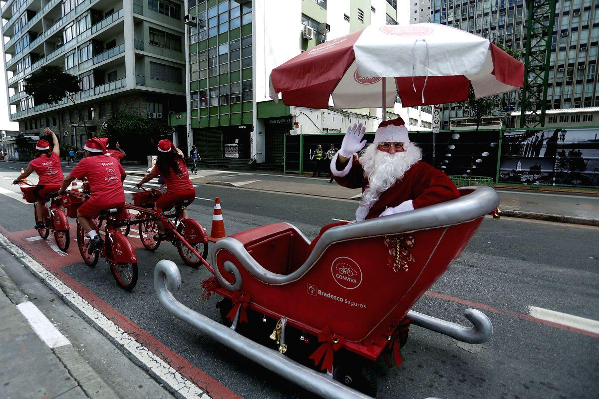 Santa on the Highway !!
