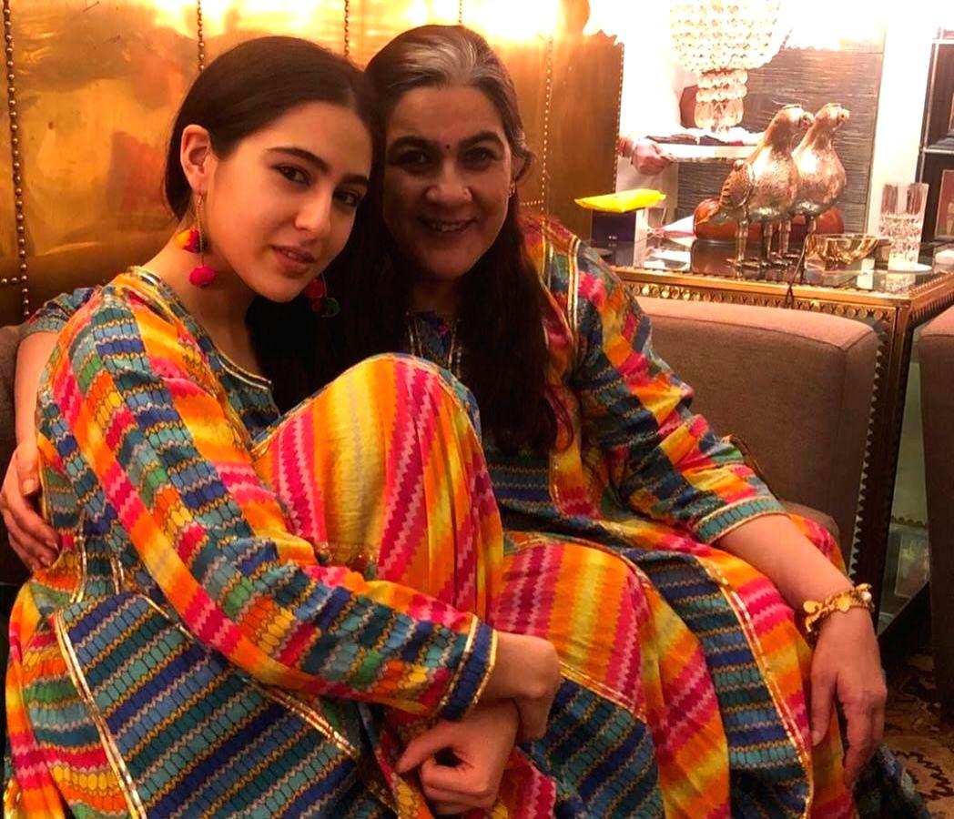 Sara Ali Khan with mom Amrita Singh.