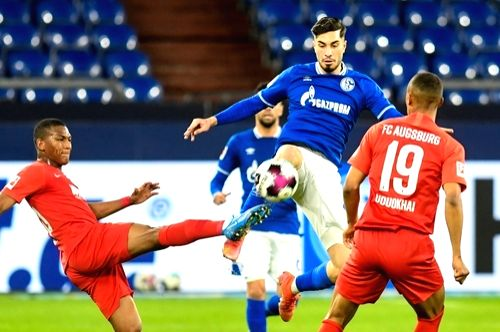 Schalke's winless run ends with 1-0 win over Augsburg.(Credit: DPA)