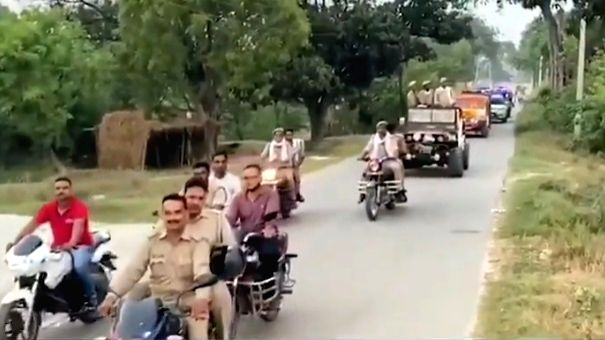 SHO in UP suspended after colleagues give him royal farewell.