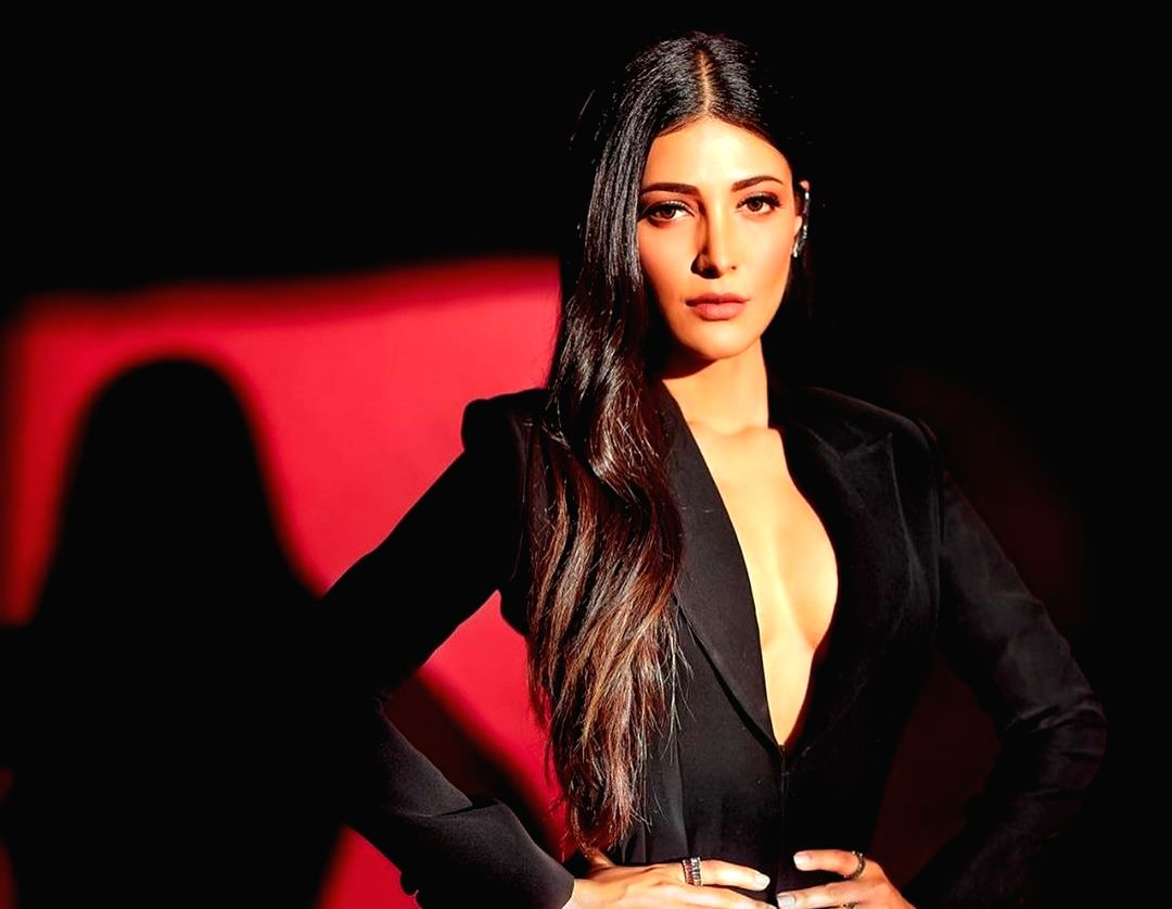 Shruti Haasan excited to be only woman in 'Yaara' narrative of four boys.