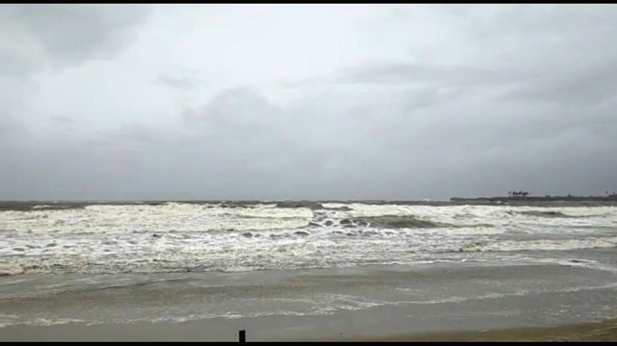 Sindhudurg: Angry waves of the Arabian Sea lash the Malvan Beach in Sindhudurg on Wednesday morning as Maharashtra prepares for the onslaught of Cyclone Nisarga later on June 3, 2020.