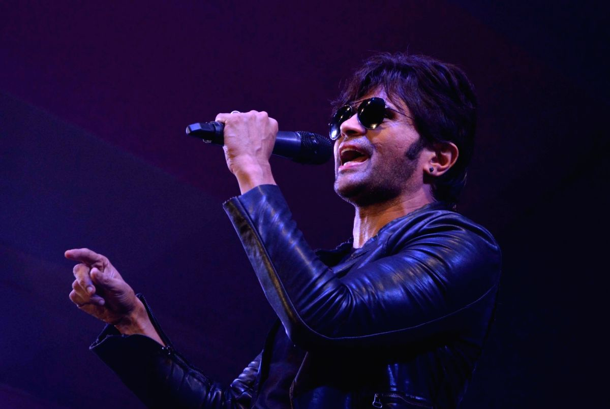 Himesh Reshammiya roped in as Judge after Anu Malik steps down