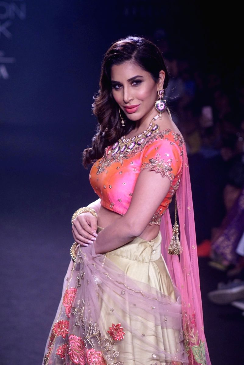 Singer Sophie Choudry in a traditional lehenga choli outfit has definitely given us some bridal vibes
