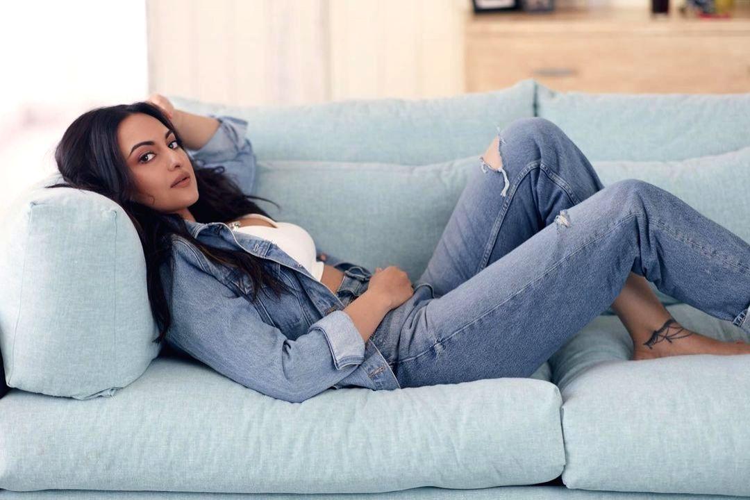 Sonakshi Sinha enjoys a lazy Sunday.